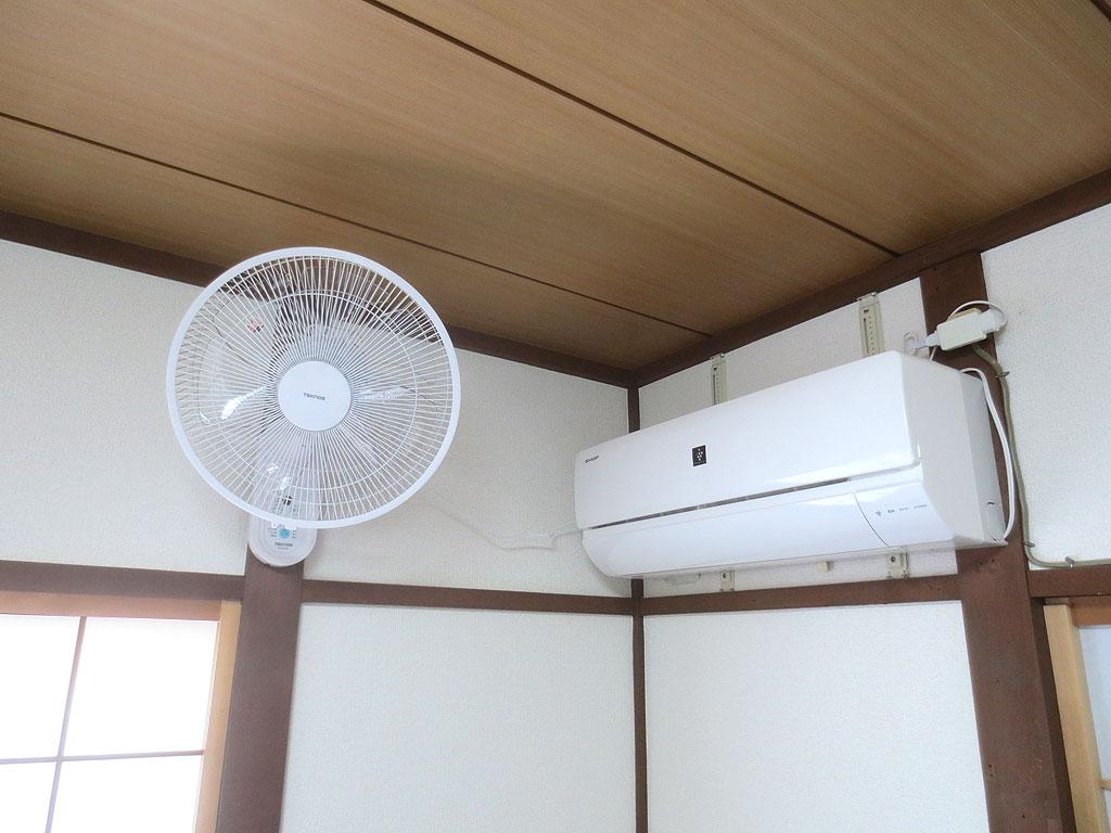 壁掛け扇風機の設置完了。