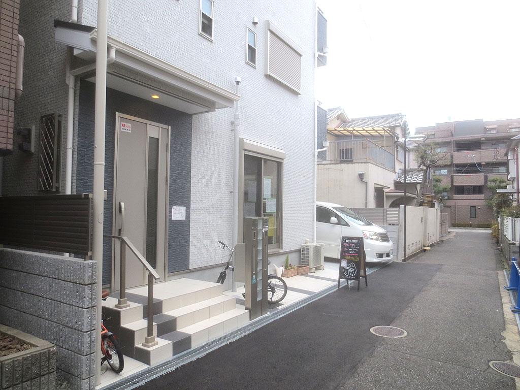 甲子園口の猫カフェさん。