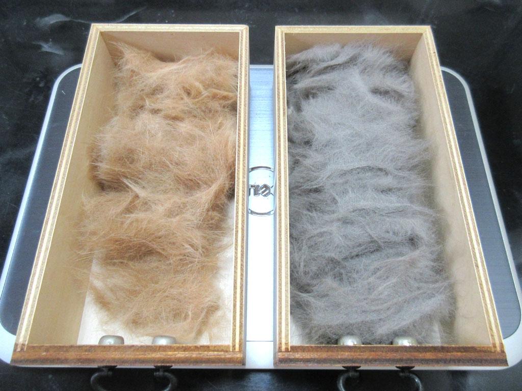 溜まっている猫たちの毛。