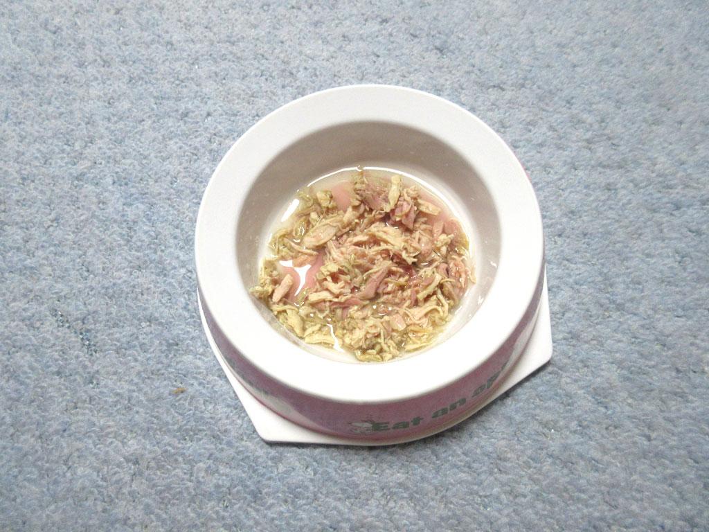 ほぼ丸々残したロシ子のご飯。