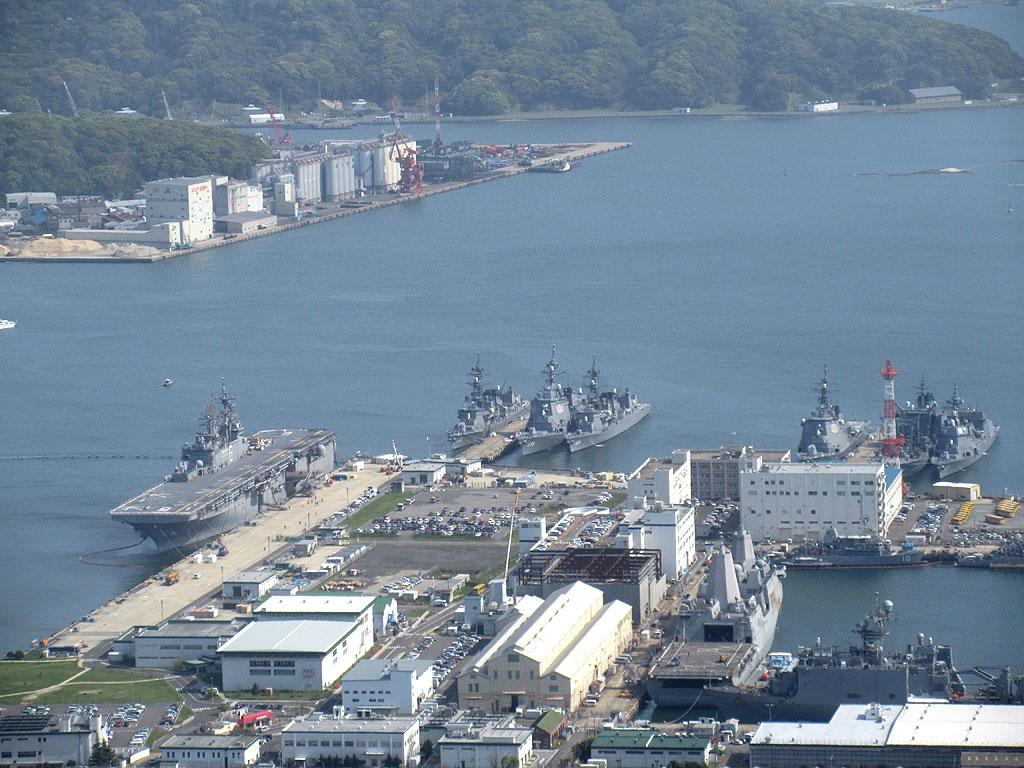 米軍の艦船。
