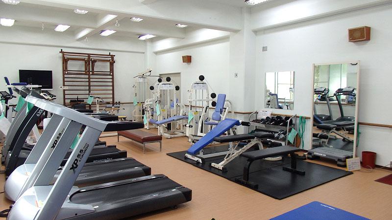 体育館のトレーニングルーム。