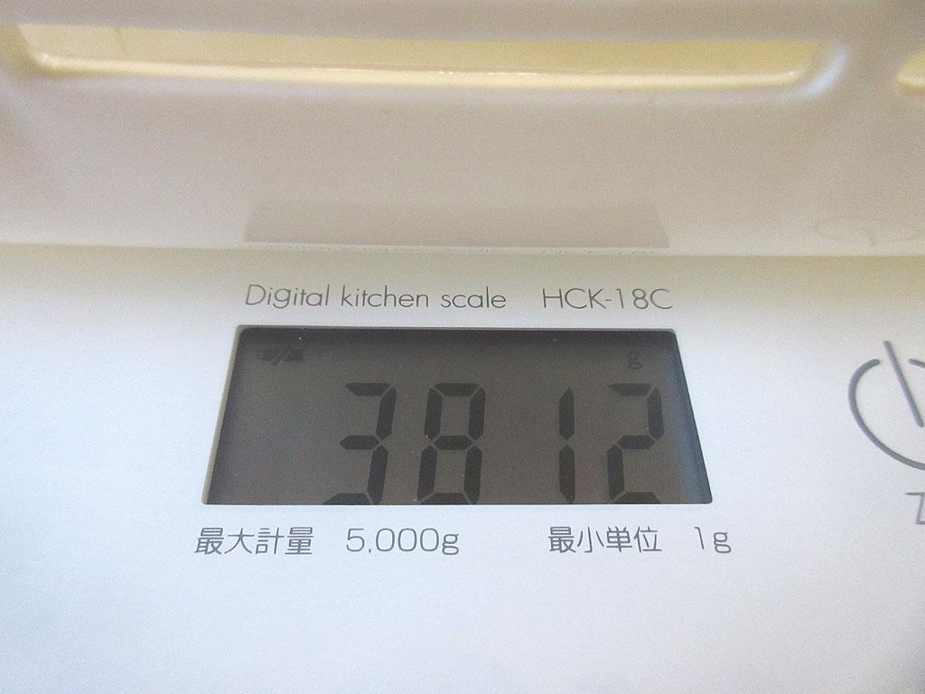 ロシ子の体重は3,812g。
