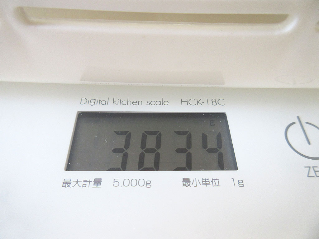ロシ子の4/4の体重は3、834g。